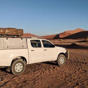 driving-sossusvlei-namibia